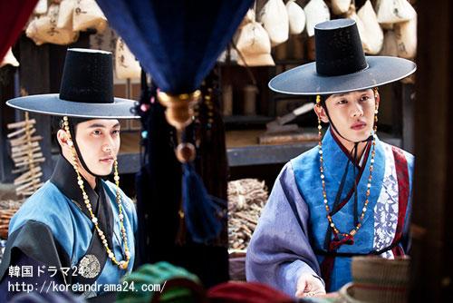 韓国ドラマ チャンオクチョン、愛に生きる15話放送に先立ち、肅宗イスン(ユアイン)とヒョンチス(ジェヒ)、二人の姿が一緒に盛られたスチールカットが製作陣を通じて公開された。