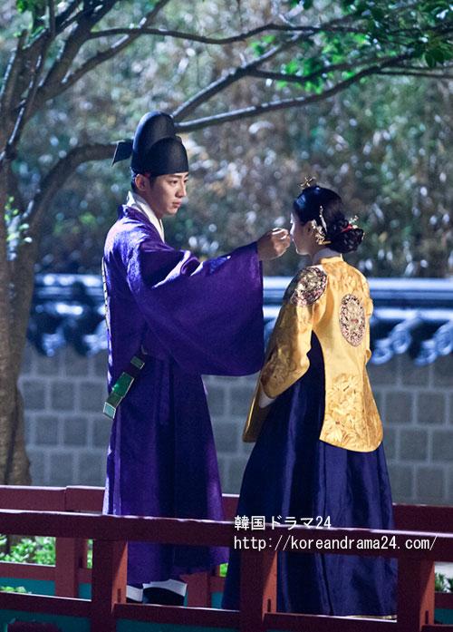 キムテヒ主演ドラマ!韓国ドラマ チャンオクチョン愛に生きるあらすじ19話で、ドンピョンクン(東平君、イサンヨプ)がチャンオクチョン(キムテヒ)に自分の心を現わす映像が公開された。