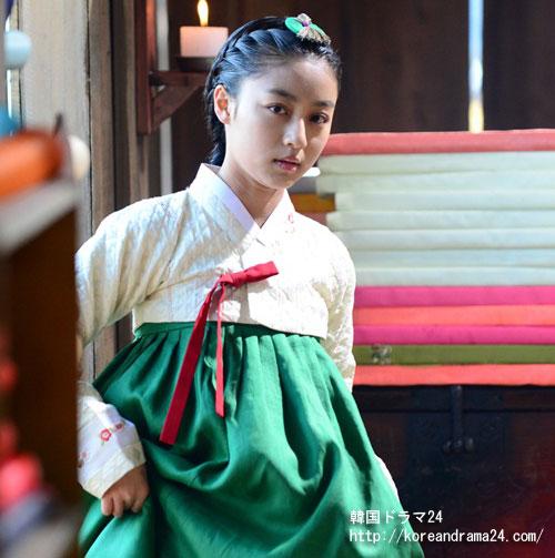 韓国ドラマ放送予定新作'チャンオクチョン'でキムテヒの幼い時期を演技して、キムテヒと似ている外貌で話題を集めた'カンミナ'!