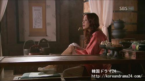 韓国ドラマ「シンイ-信義」あらすじ3話中、ユ・ウンス(キム・ヒソン)画像