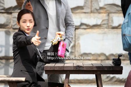 シティーハンター 韓国ドラマ パク・ミニョン ウィンクで愛のキューピットに変身した。