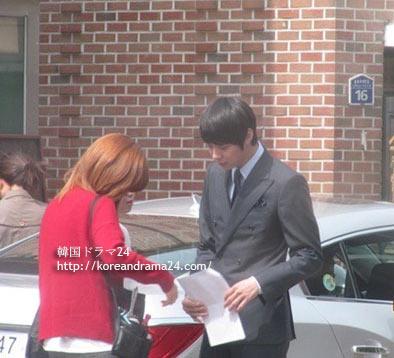 リプリー撮影中のパク・ユチョンは何を話しているのか?